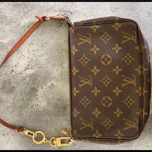 Authentic Louis Vuitton Pochette with LV Extender